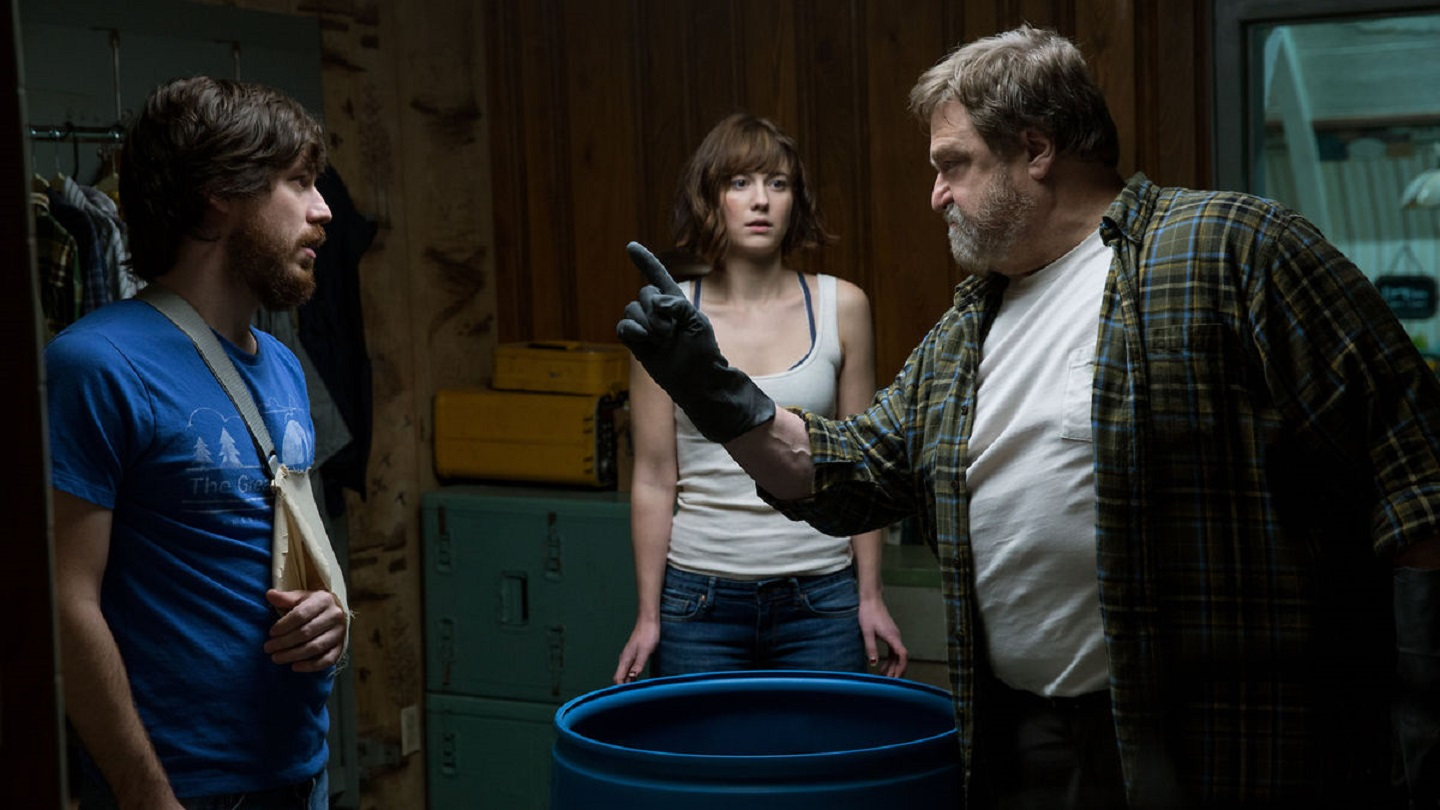 John Goodman, John Gallagher Jr and Mary Elizabeth Winstead in 10 Cloverfield Lane (2016)