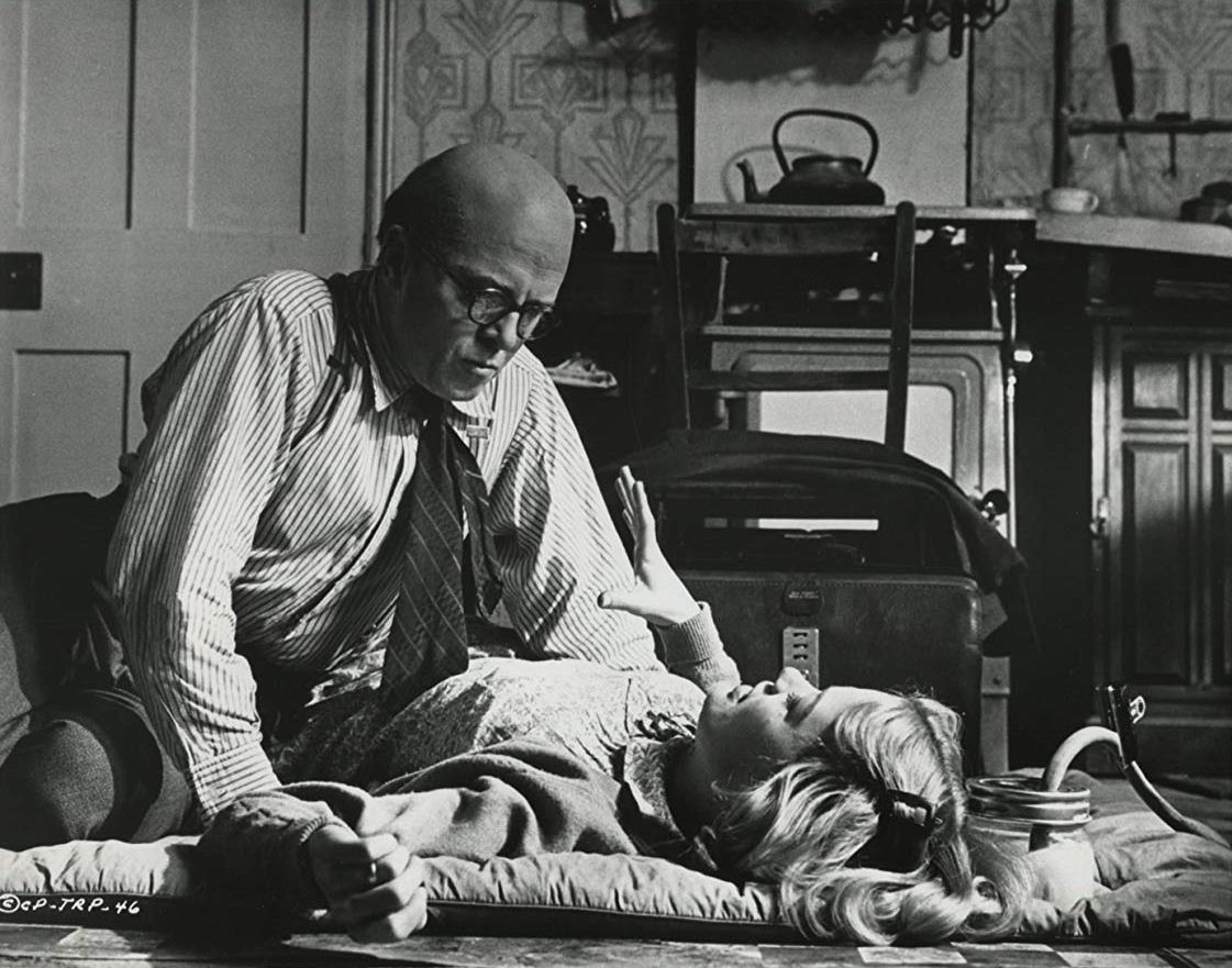 Reginald Christie (Richard Attenborough) and Beryl Evans (Judy Geeson) in 10 Rillington Place (1971)