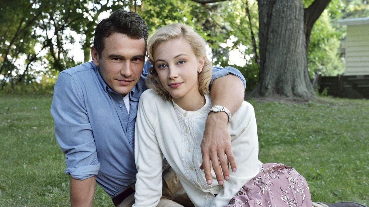 Jake Epping (James Franco) and Sadie Dunhill (Sarah Gadon) - love across time in 11.22.63 (2016)