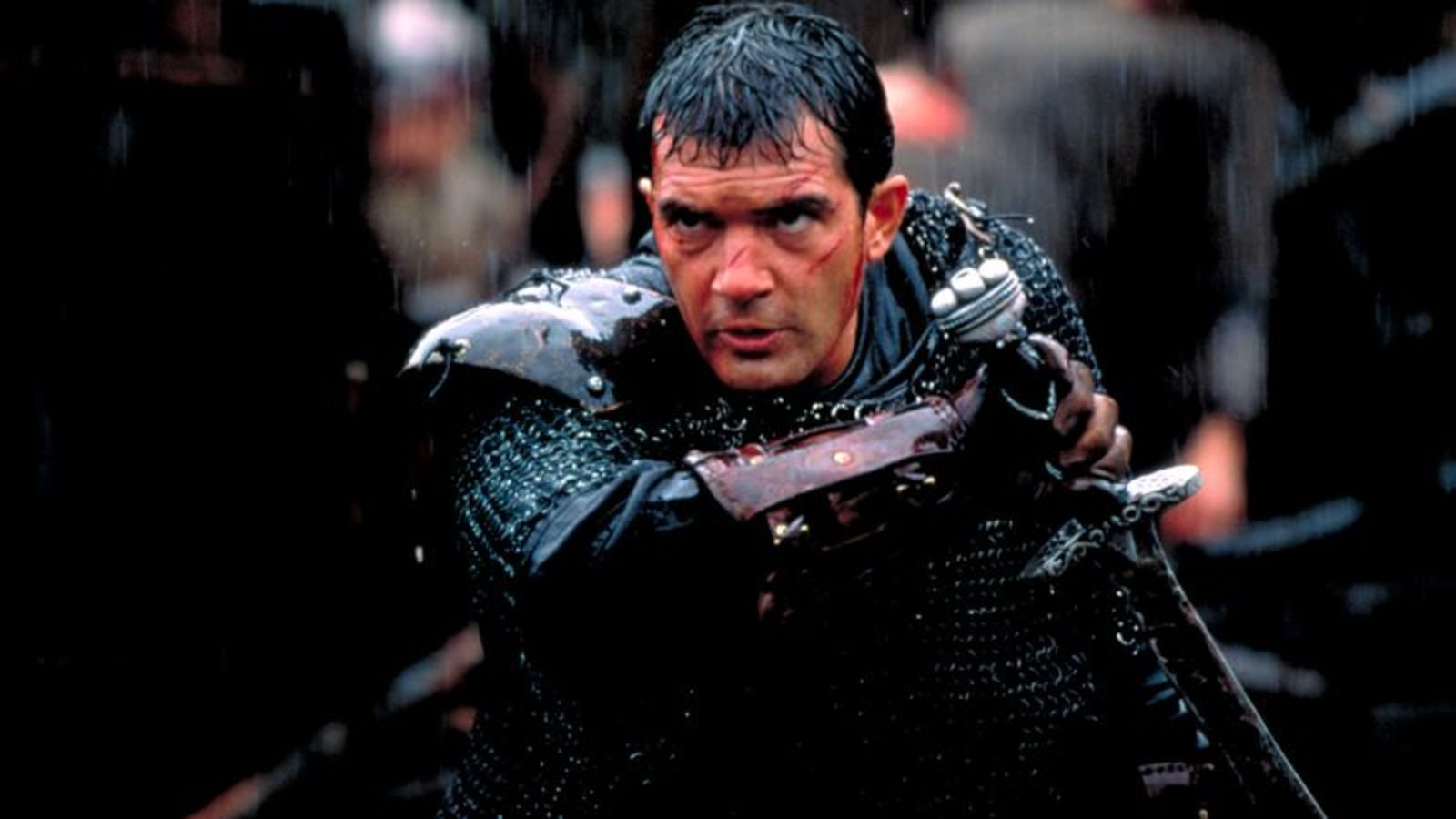 Antonio Banderas as Ahmed Ibn Fahdlan in The 13th Warrior (1999)