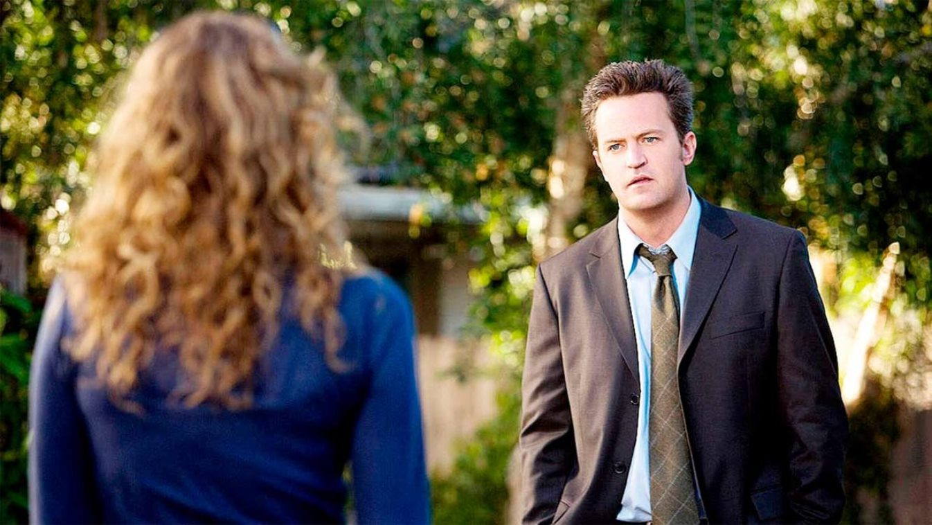 Matthew Perry as the frustrated middle-aged Mike O'Donnell in 17 Again (2009)