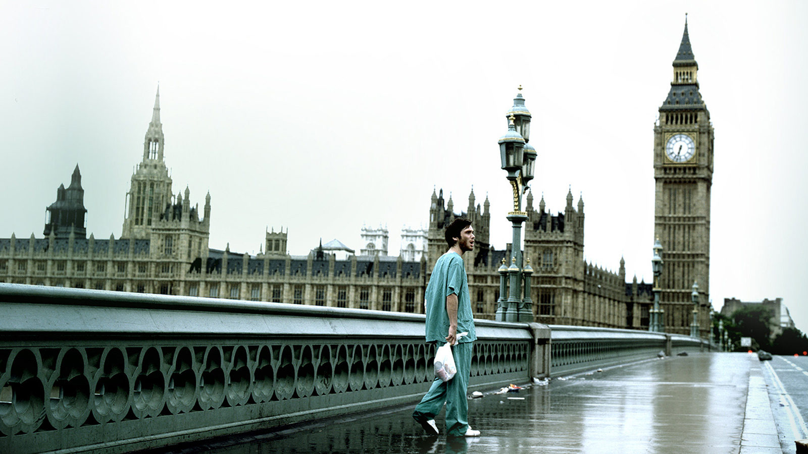 Cillian Murphy in abandoned London in 28 Days Later (2002)