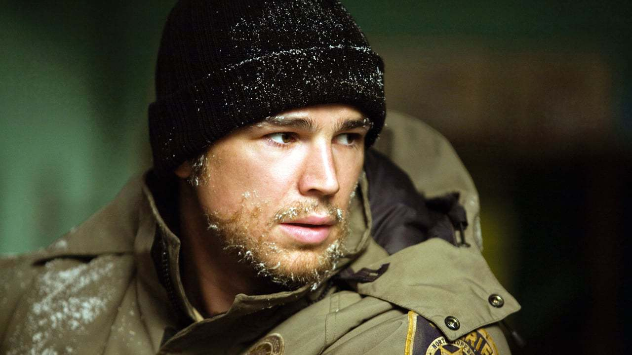 Josh Hartnett as Sheriff Eben Oleson in 30 Days of Night (2007)
