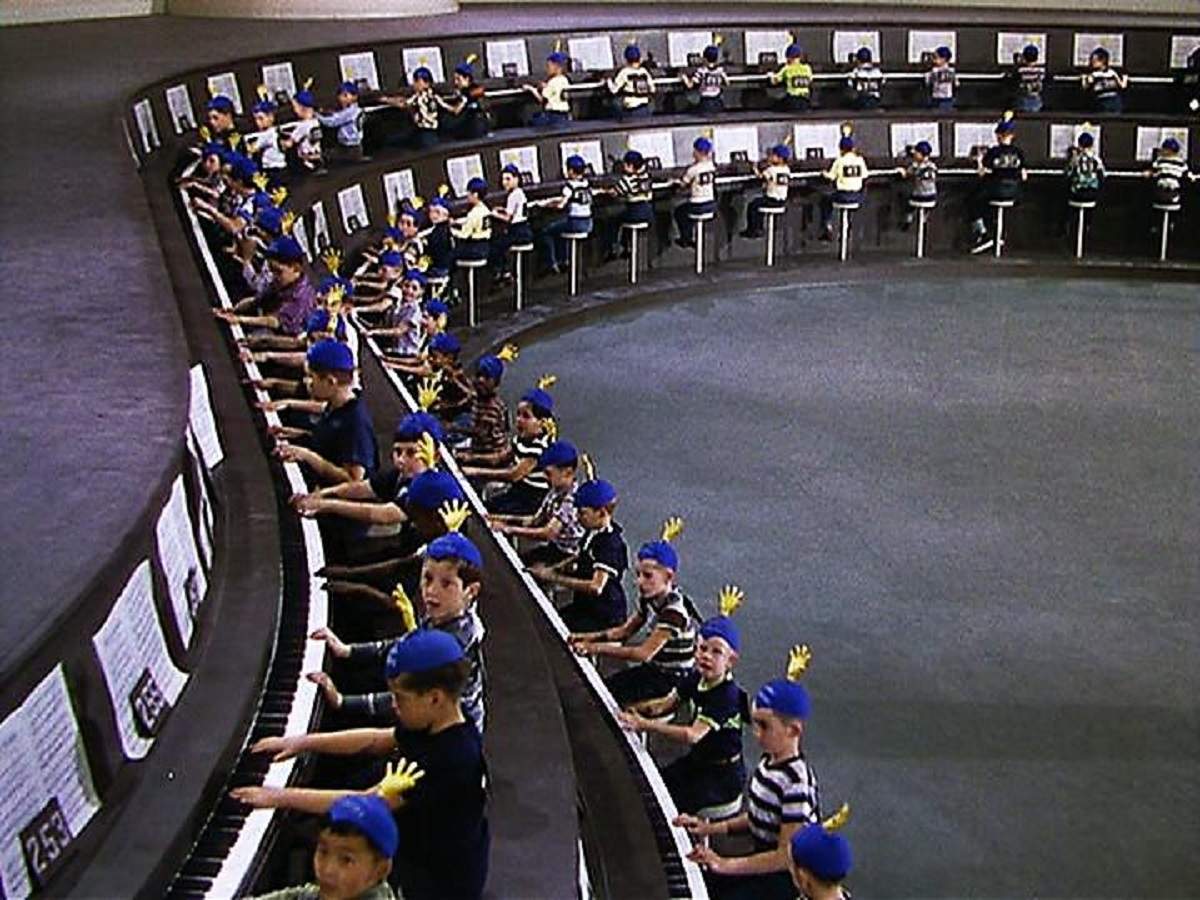 The children seated at Dr Terwilliker's 500-seater piano in The 5000 Fingers of Dr T (1953)