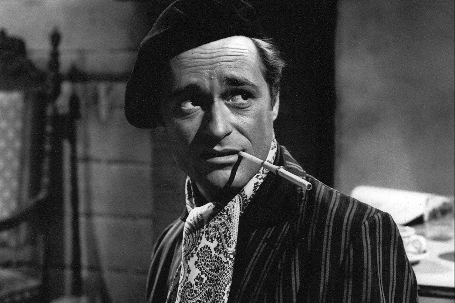 Dick Miller as Walter Paisley in A Bucket of Blood (1959)