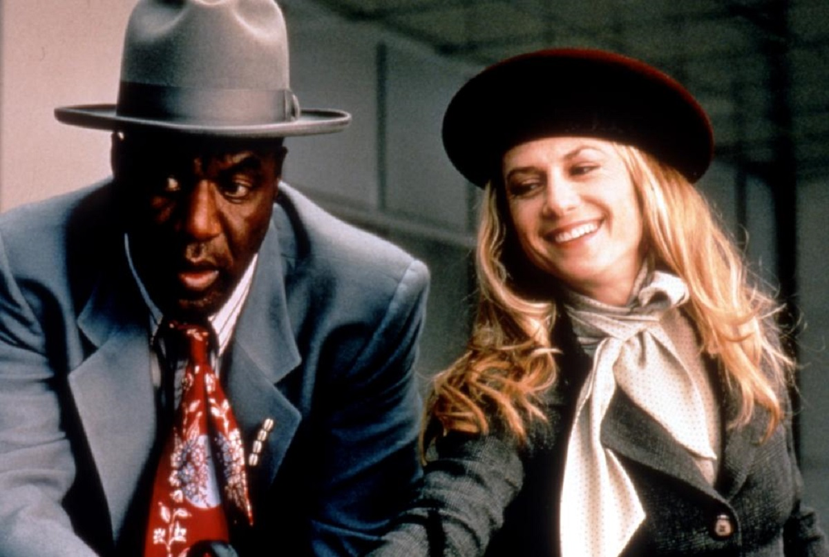 Angels Delroy Lindo and Holly Hunter in A Life Less Ordinary (1997)