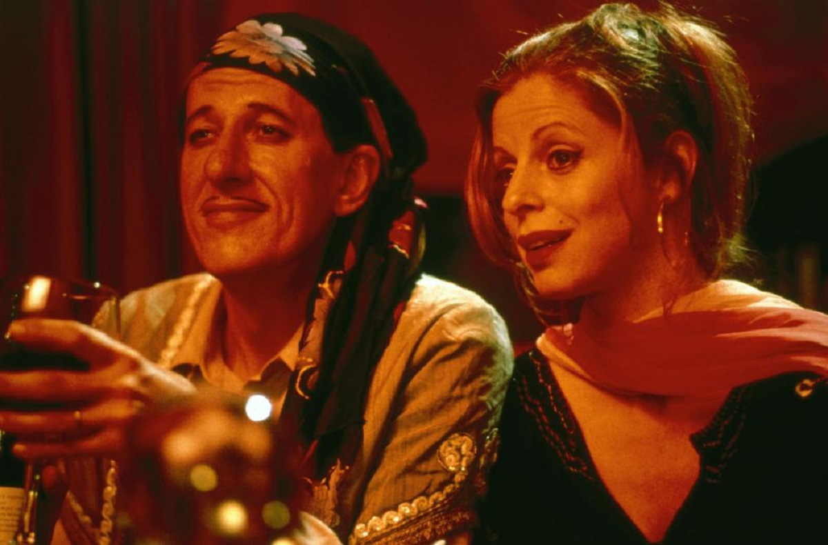 Hosts Geoffrey Rush and Heather Mitchell in A Little Bit of Soul (1997)