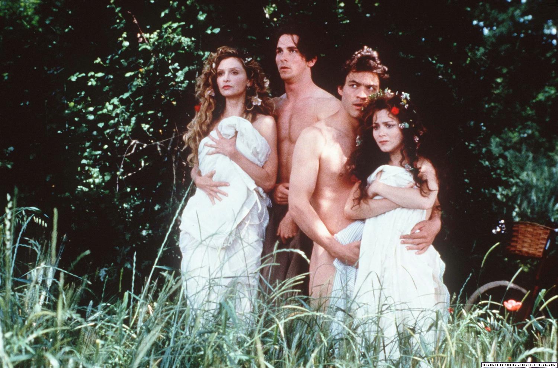 Helena (Calista Flockhart), Demetrius (Christian Bale), Lysander (Dominic West) and Hermia (Anna Friel) in A Midsummer Night's Dream (1999)