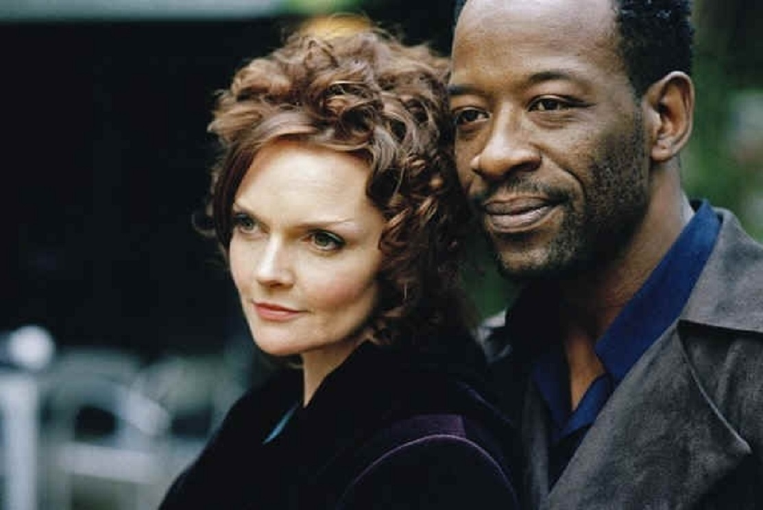 Oberon (Lennie James), the king of the fairies, and his wife Titania (Sharon Small) in A Midsummer Night's Dream (2005)