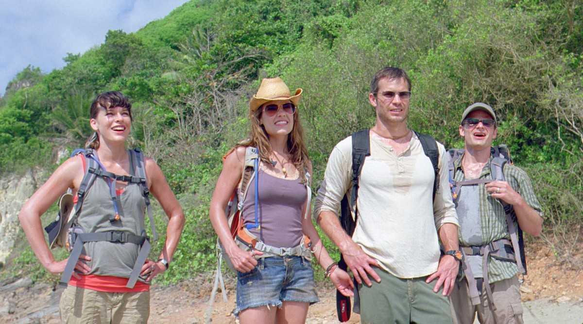 Milla Jovovich, Kiele Sanchez, Timothy Olyphant, Steve Zahn in A Perfect Getaway (2009)
