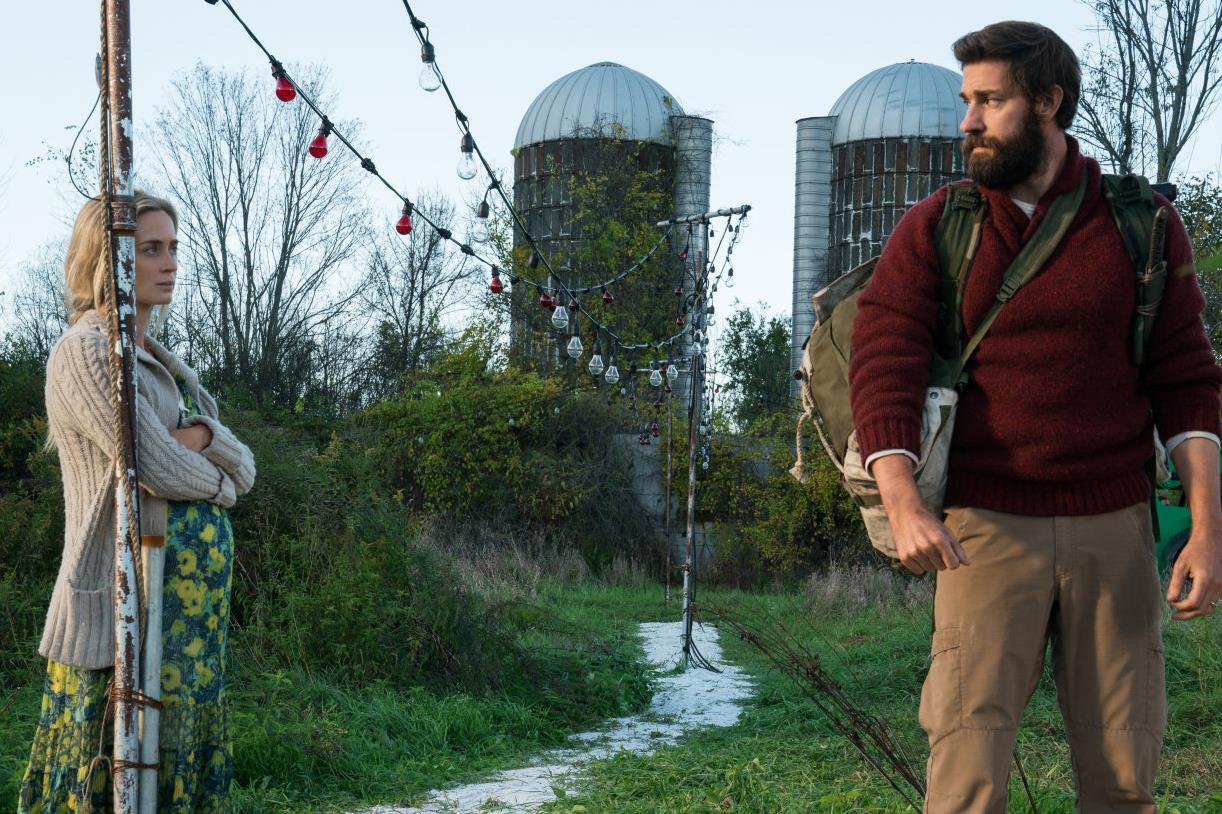 Husband and life Emily Blunt and John Krasinski in A Quiet Place (2018)