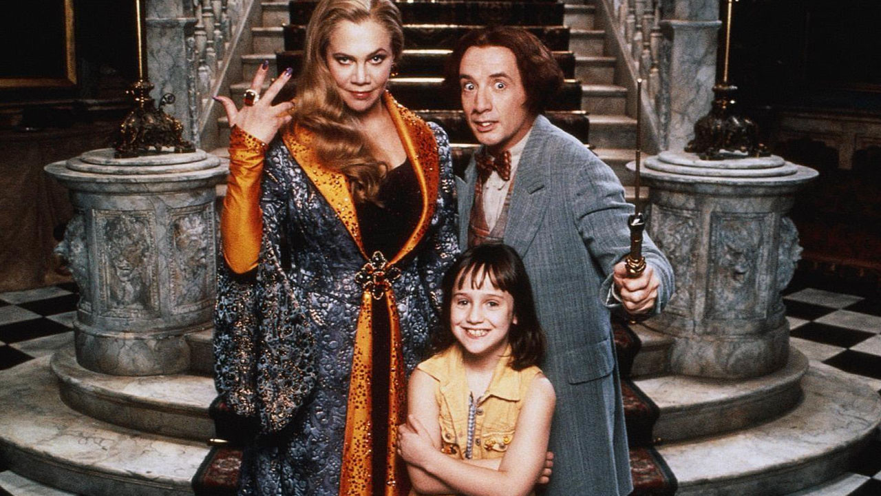 Young Mara Wilson surrounded by fairy godmothers Kathleen Turner and Martin Short in A Simple Wish (1997)