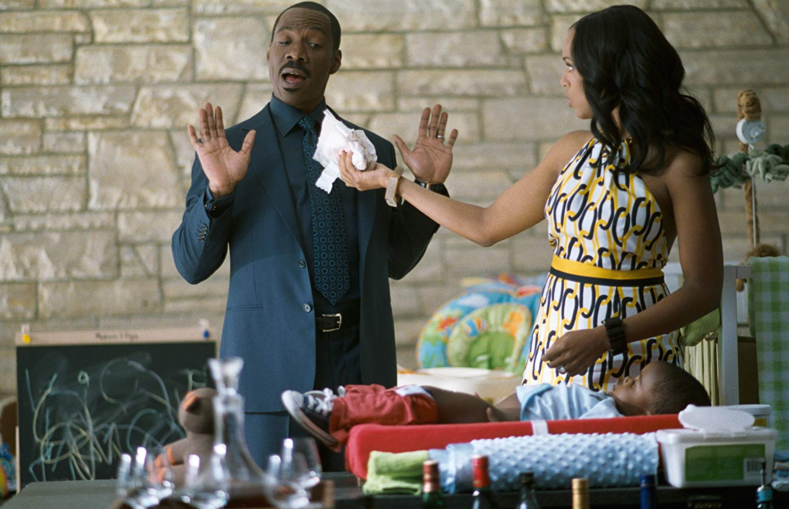 Eddie Murphy tries to avoid speaking in front of wife Kerry Washington in A Thousand Words (2012)