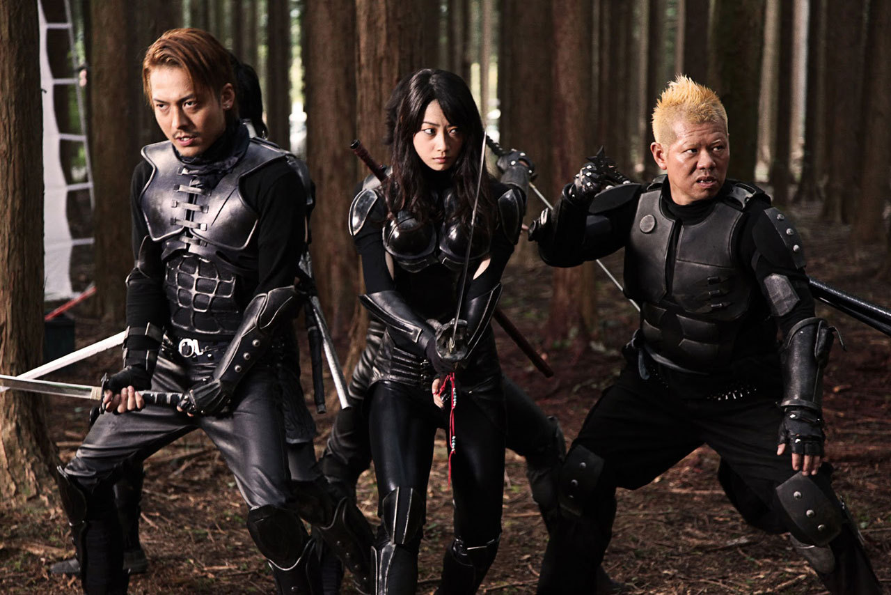 Ninja ready to fight aliens - (l to r) Masanori Mimoto, Mika Hijii and Donpei Tsuchihira in AVN (2010)