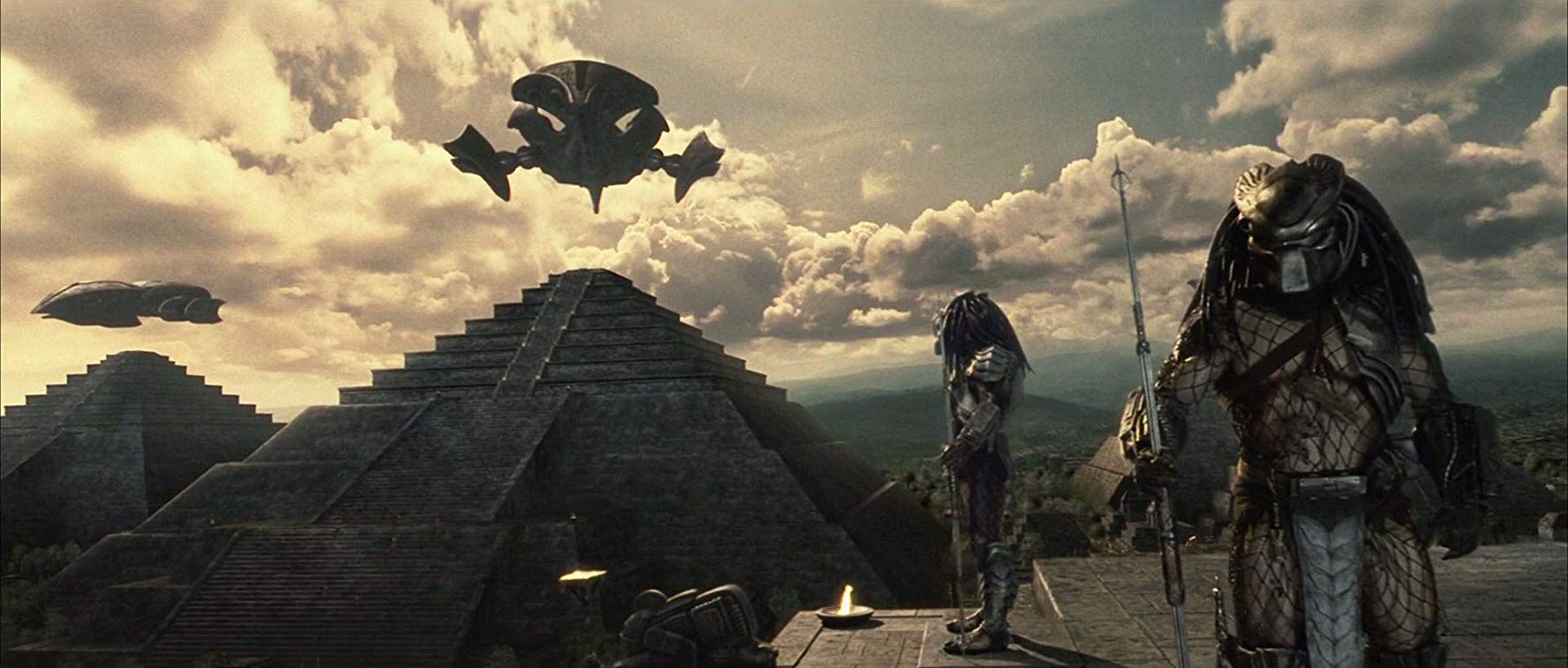 Predators and pyramids in AVP Alien vs Predator (2004)