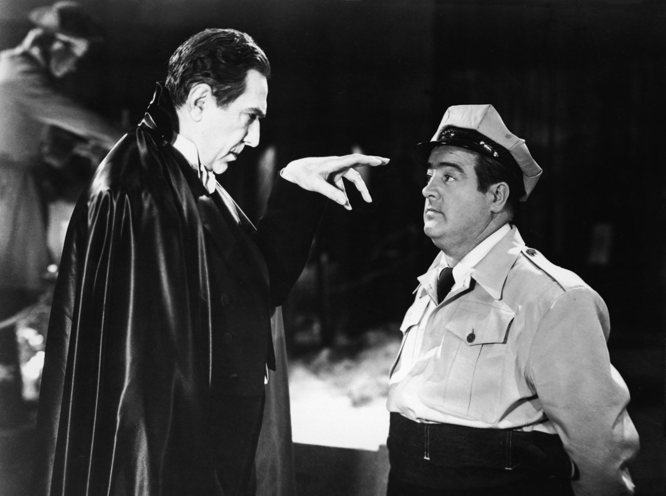 Count Dracula (Bela Lugosi) hypnotises Lou Costello in Abbott and Costello Meet Frankenstein (1948)