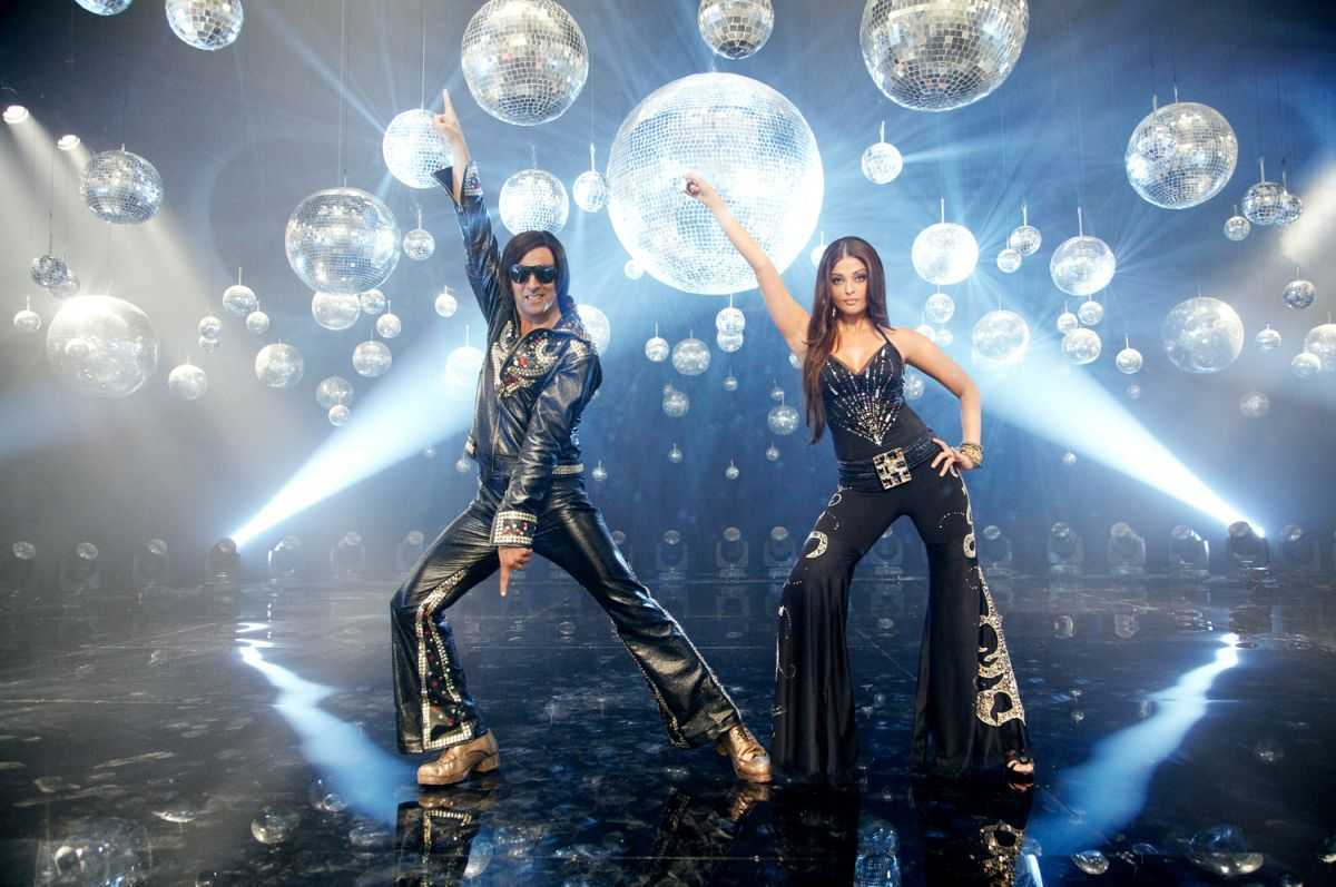 Song and dance number with Akshay Kumar and Aishwarya Rai Bachchan in Action Replayy (2010)