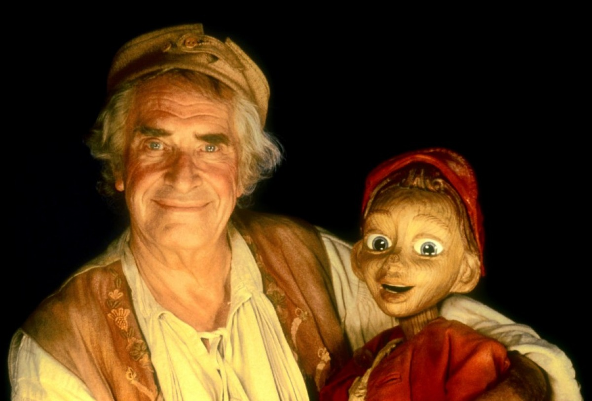 Gepetto (Martin Landau) and Pinocchio in The Adventures of Pinocchio (1996)