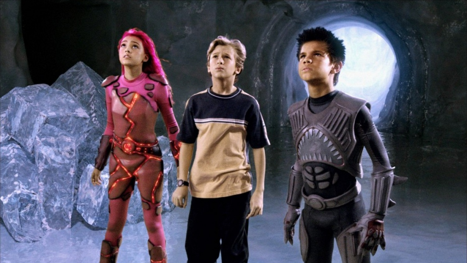 (l to r) Lavagirl (Taylor Dooley), Max (Cayden Boyd) and Sharkboy (Taylor Lautner) in The Adventures of Sharkboy and Lavagirl in 3-D (2005)