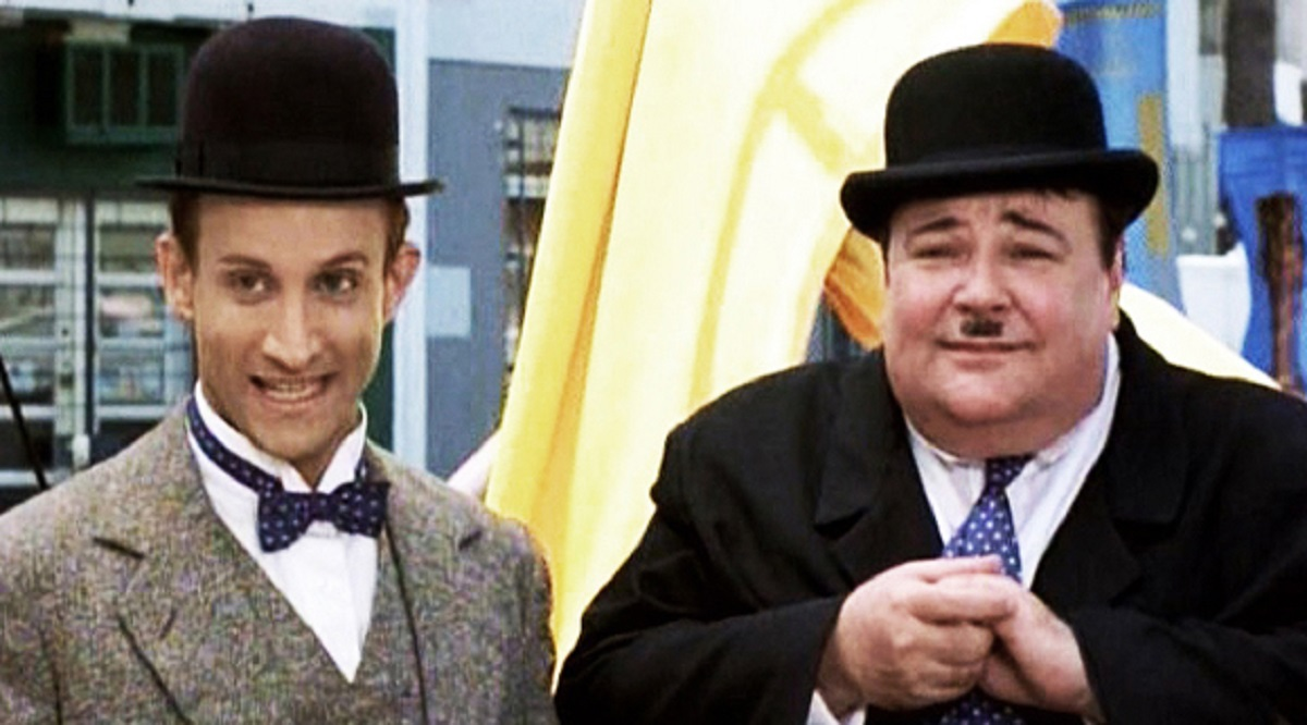 Stan Laurel (Bronson Pinchot) and Oliver Hardy (Gailard Sartain) in The All New Adventures of Laurel Hardy in For Love or Mummy (1999)