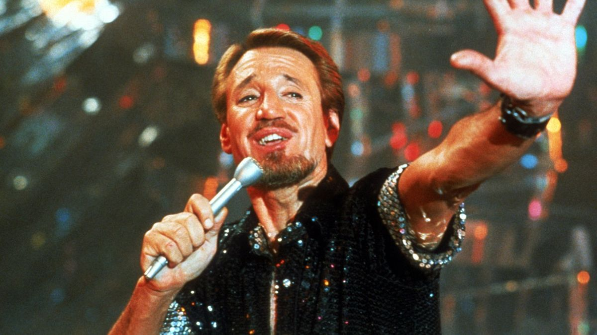 Roy Scheider as dance choreographer Joe Gideon (an autobiographical stand-in for director/choreographer Bob Fosse) in All That Jazz (1979)