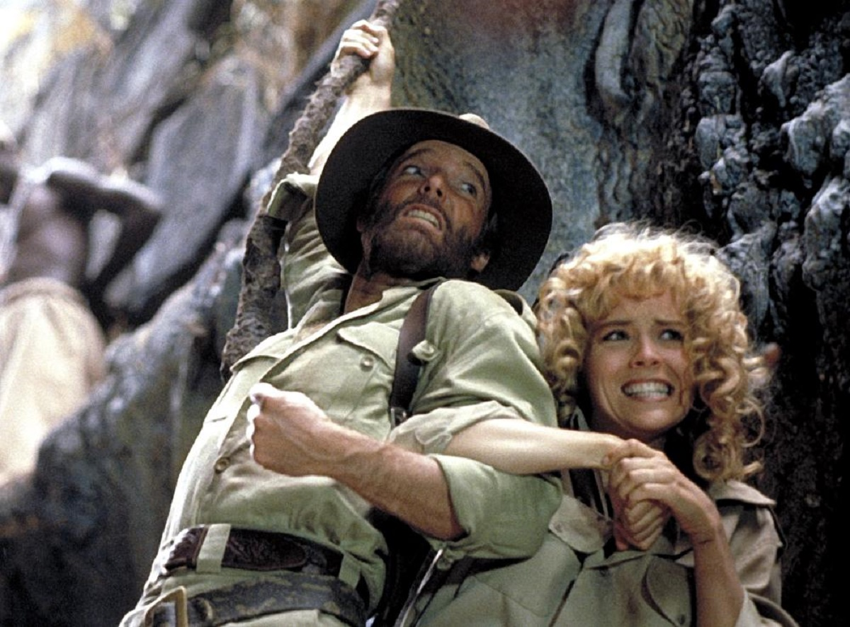 (l to r) Allan Quatermain (Richard Chamberlain) and Jesse Houston (Sharon Stone) in Allan Quatermain and the Lost City of Gold (1986)