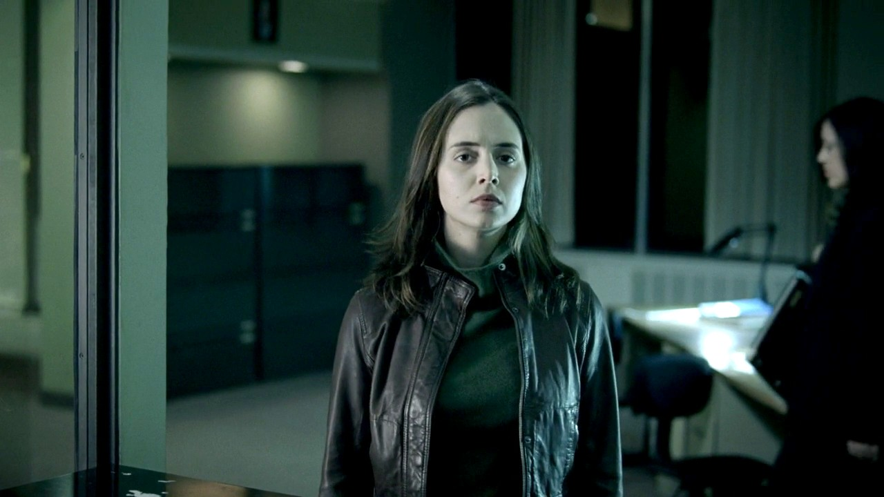 Eliza Dushku as Megan Paige, a police detective struggling with mental health issues in The Alphabet Killer (2008)