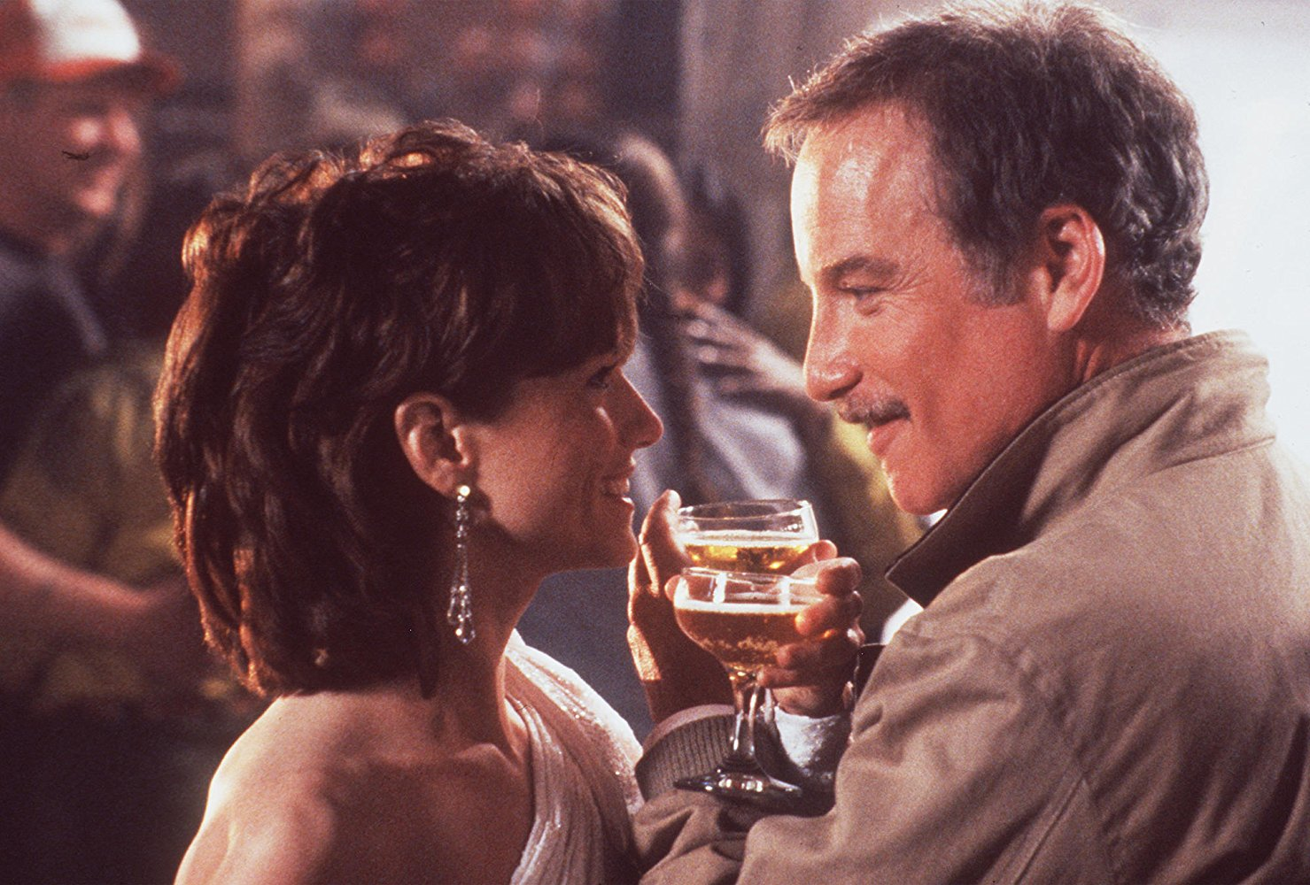 Pete (Richard Dreyfuss) and Dorinda (Holly Hunter) in Always (1989)