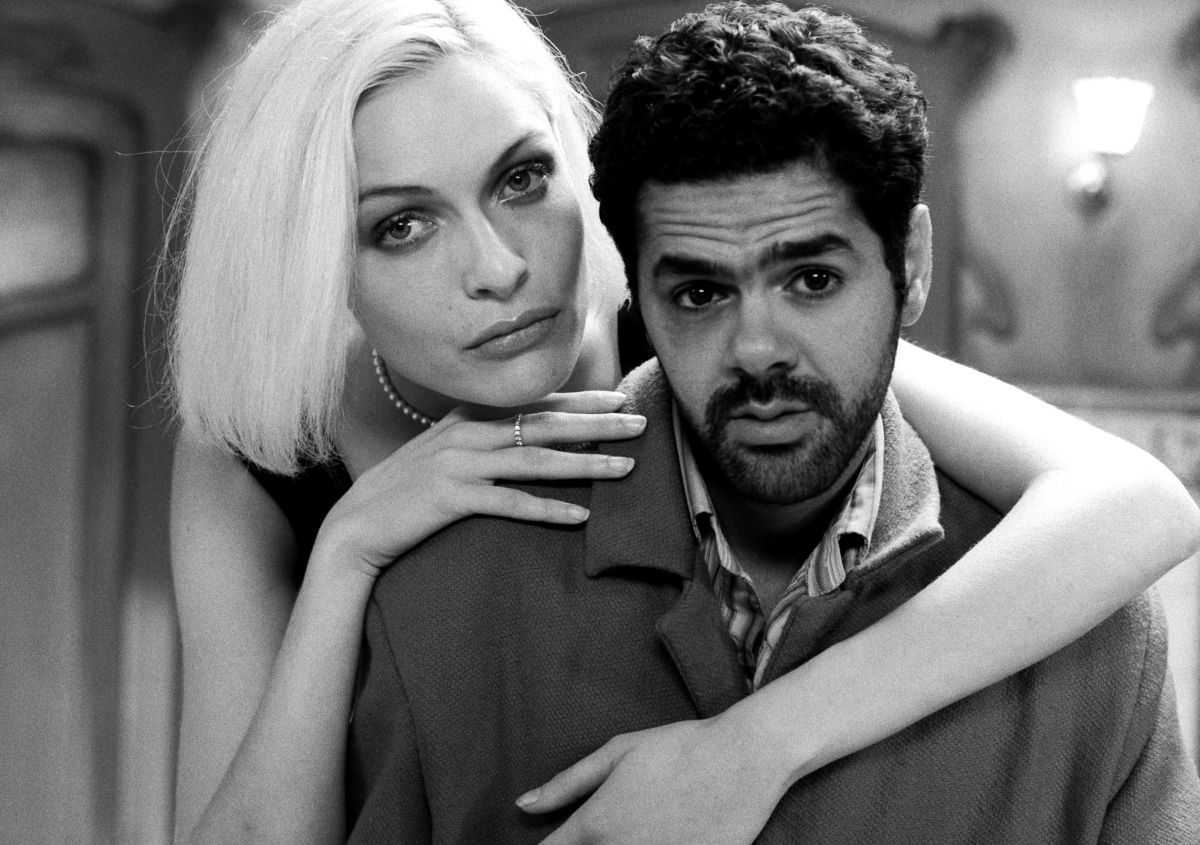 Jamel Debbouze and his guardian angel Rie Rasmussen in Angel-A (2005)