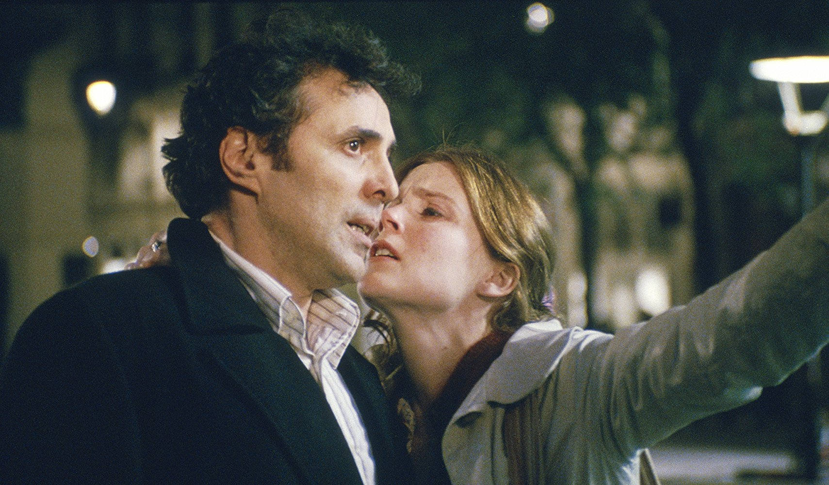 Isabelle Carré and the object of her affection Gilbert Melki in Anna M. (2007)