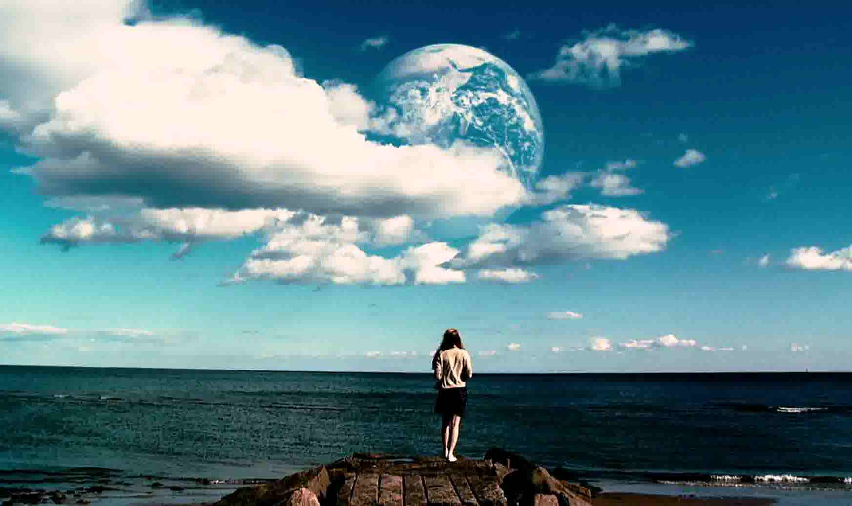 The appearance of a mirror Earth in Another Earth (2011)