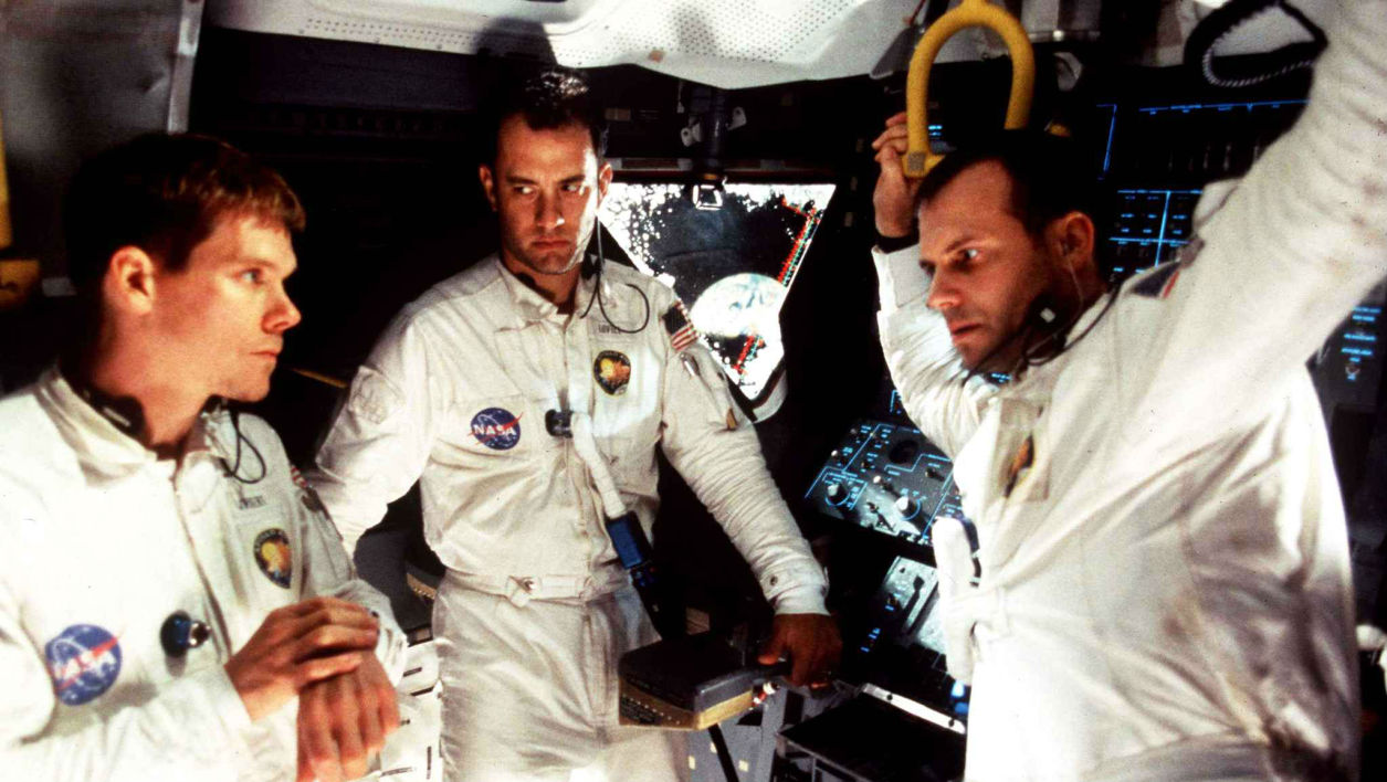 Trapped in orbit - Jack Swigert (Kevin Bacon), Fred Haise (Bill Paxton) and James Lovell (Tom Hanks) in Apollo 13 (1995)