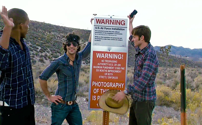 Darin Bragg, Ben Rovner, Reid Warner in Area 51 (2015)