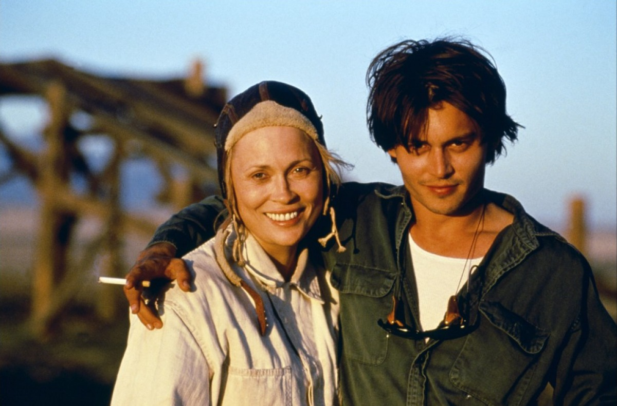A young Johnny Depp romanced by Faye Dunaway in Arizona Dream (1993)