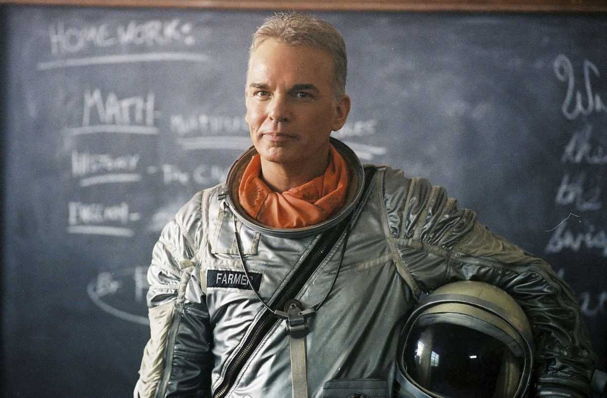 Billy Bob Thornton as an average farmer with a dream to launch himself into space in The Astronaut Farmer (2006)