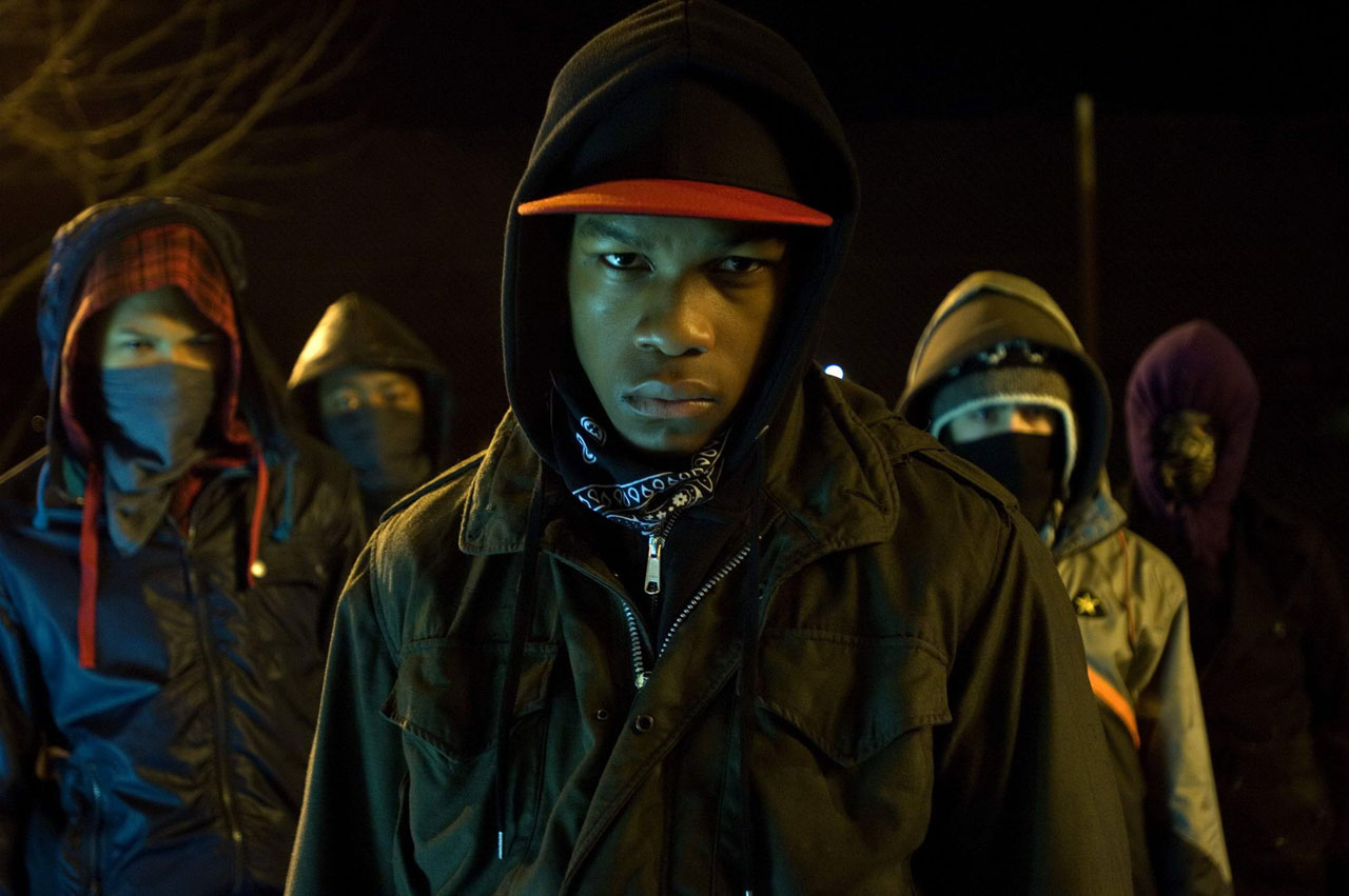 John Boyega (c) leading a gang of juvenile delinquents against an alien threat in Attack the Block (2011)
