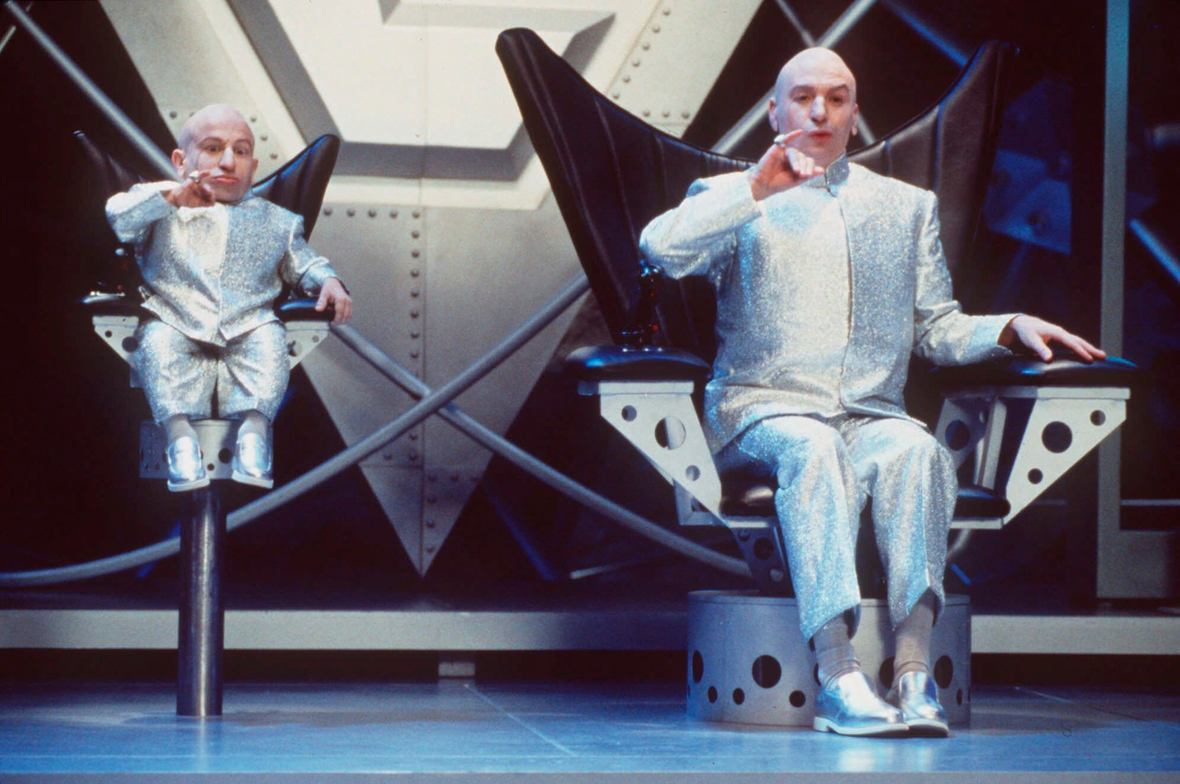 Dr Evil (Mike Myers) (r) and his clone Mini-Me (Verne Troyer) (l) in Austin Powers: The Spy Who Shagged Me (1999)