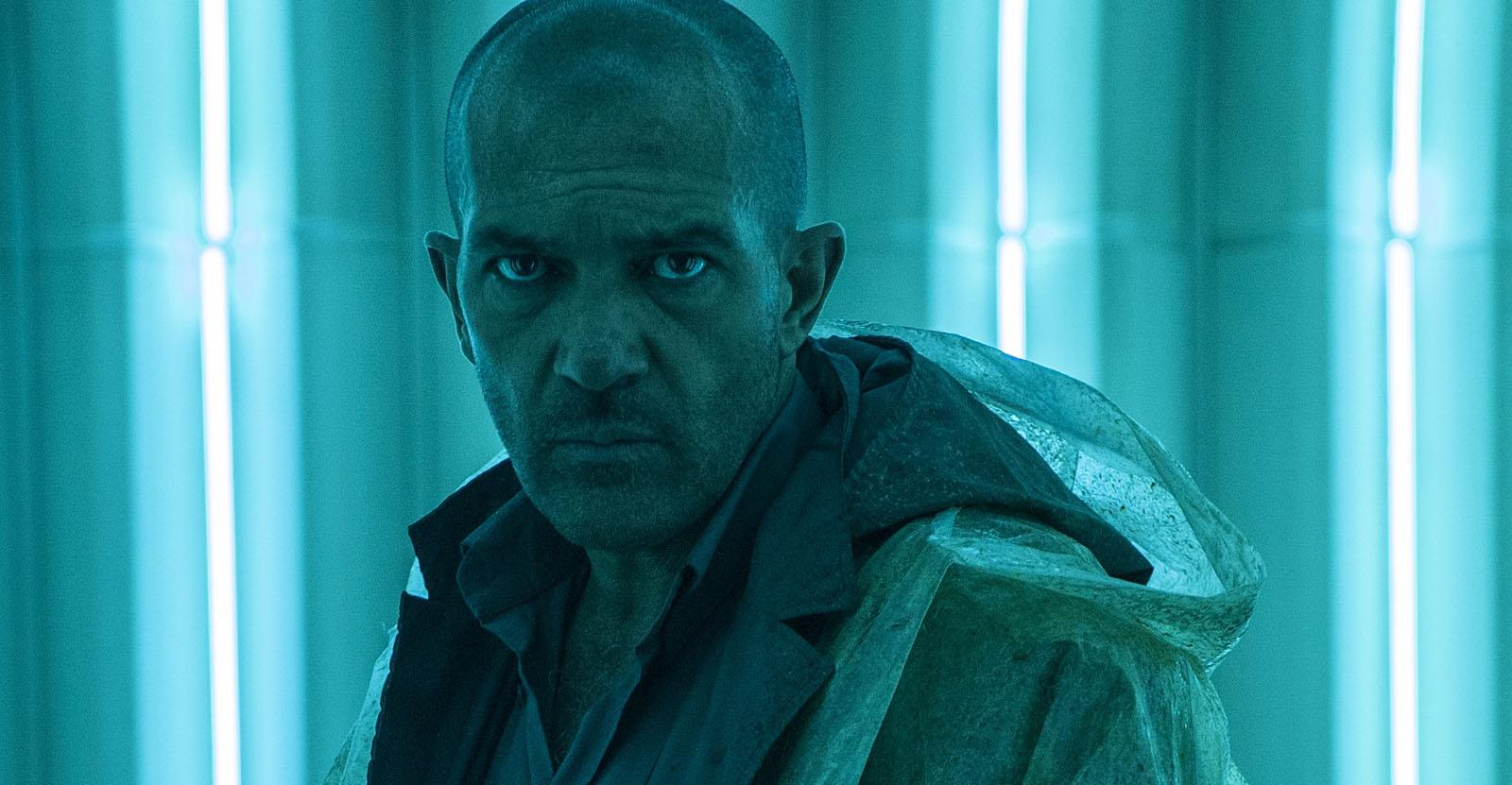 Antonio Banderas as Jacq Vaucan in Automata (2014)