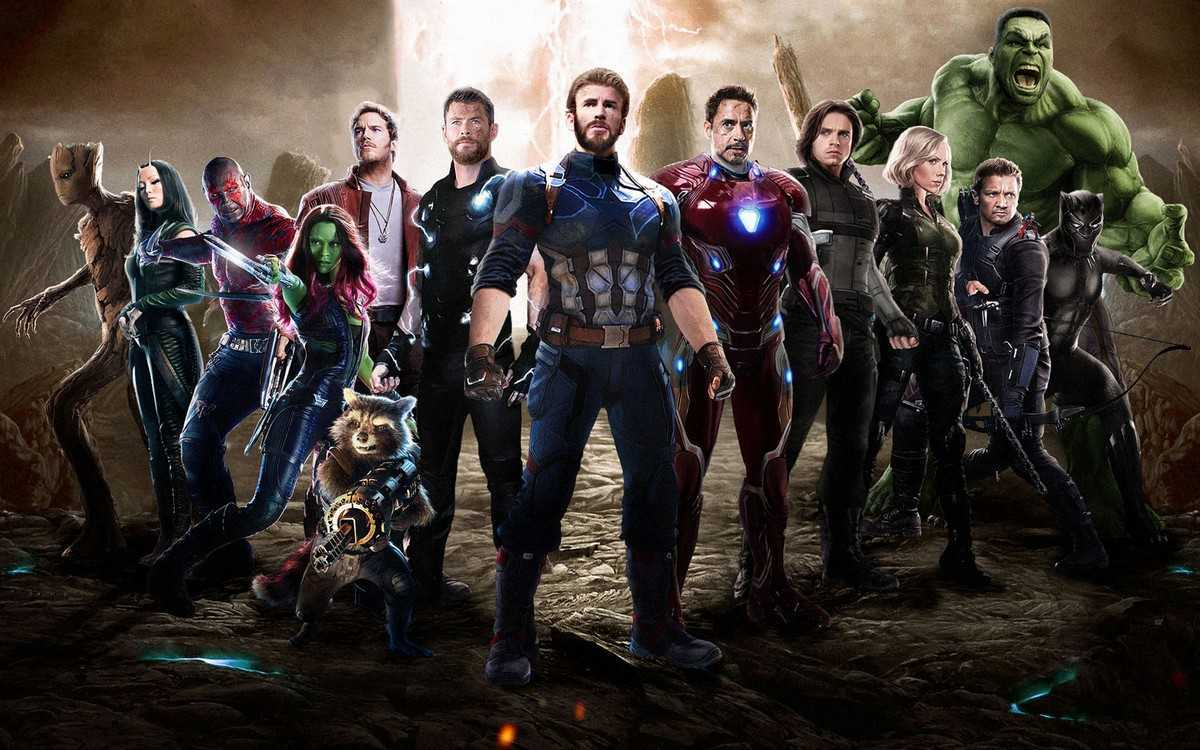 Avengers line-up (promotional artwork) - (l to r) Groot, Mantis, Drax, Gamora, Peter Quill, Rocket Racoon, Thor, Captain America, Iron Man, Bucky Barnes, Black Widow, Hawkeye, Black Panther, Hulk in Avengers: Infinity War (2018)