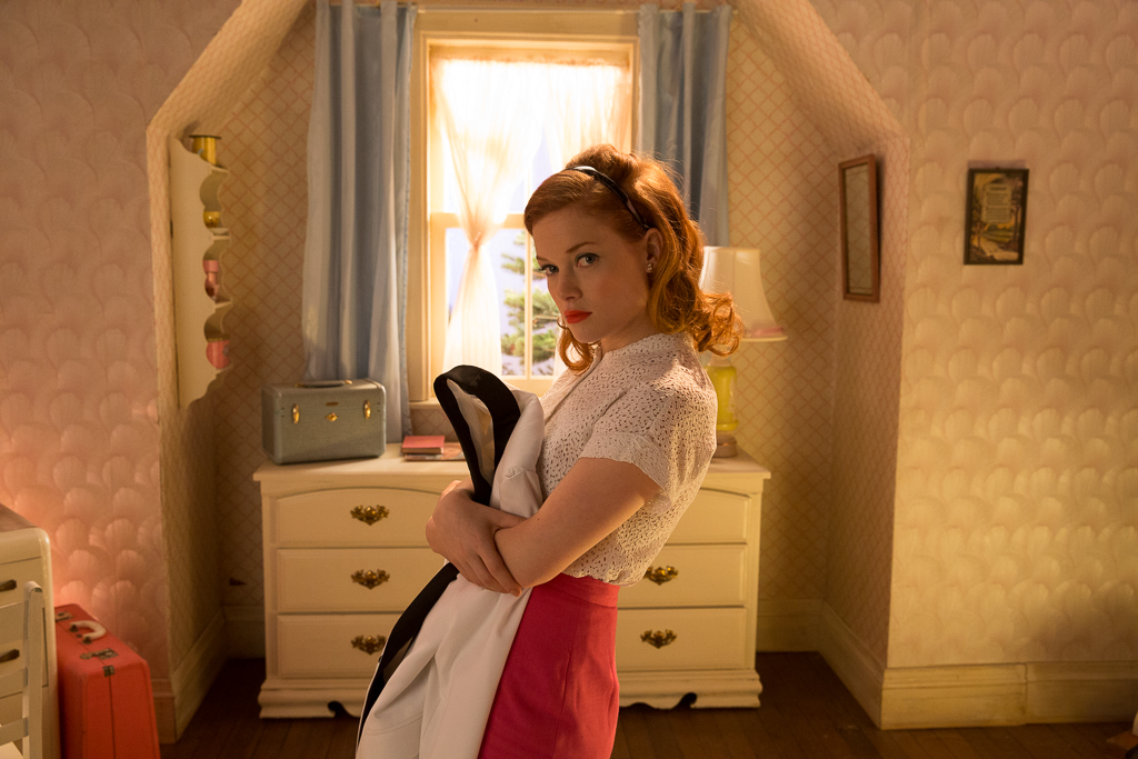 Jane Levy - caught in a 1950s hallucination in Bang Bang Baby (2014)