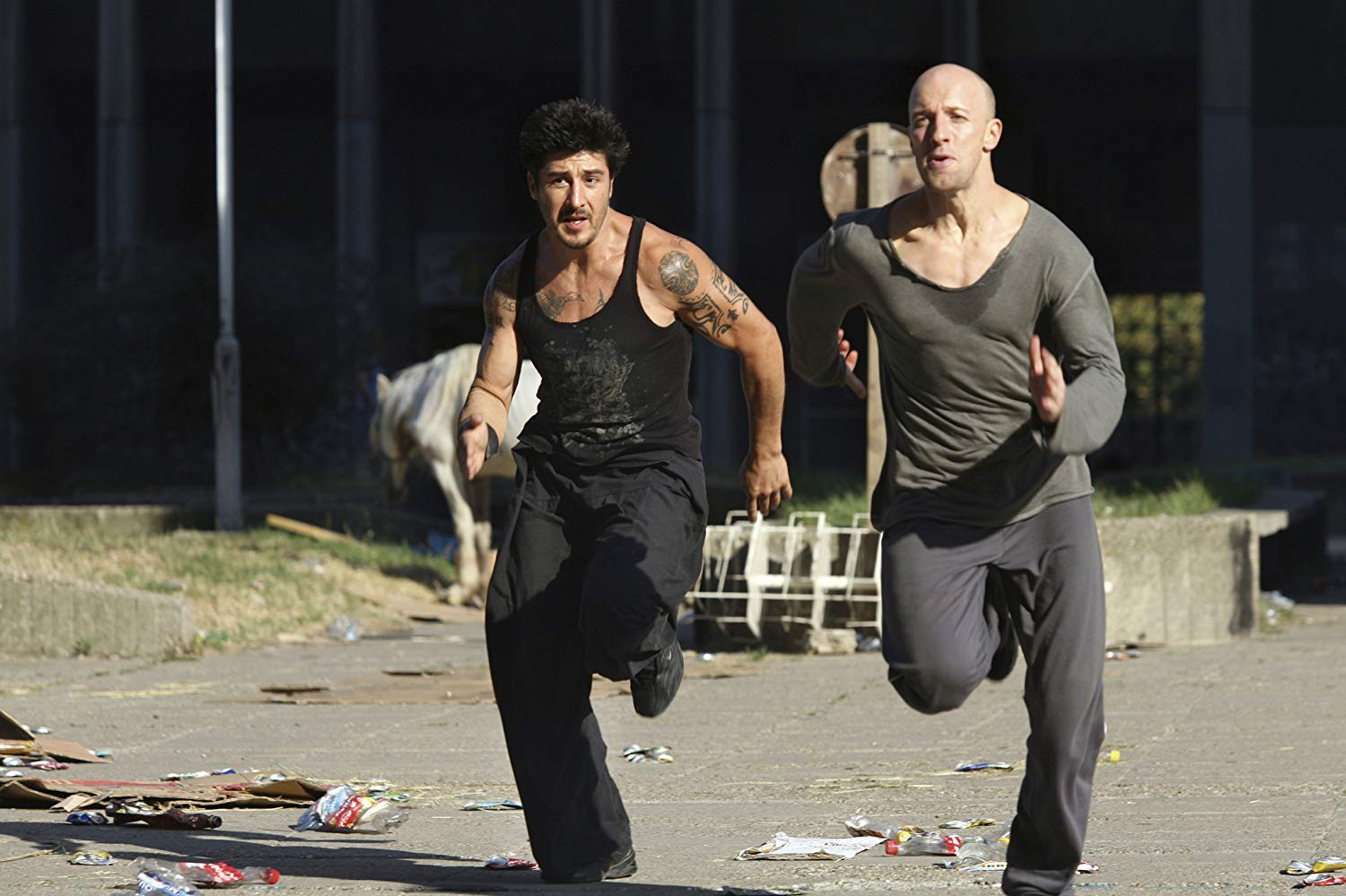 (l to r) David Belle and Cyril Raffaelli back in action in Banlieue 13: Ultimatum (2009)