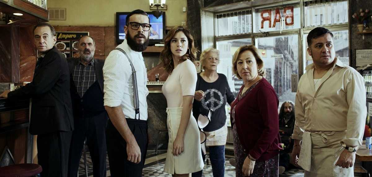 The patrons of the bar - (l to r) Alejandro Awada, Joaquin Climent, Mario Casas, Blanca Suarez, Terele Pavez, Carmen Machi and Secun de la Rosa in The Bar (2017)