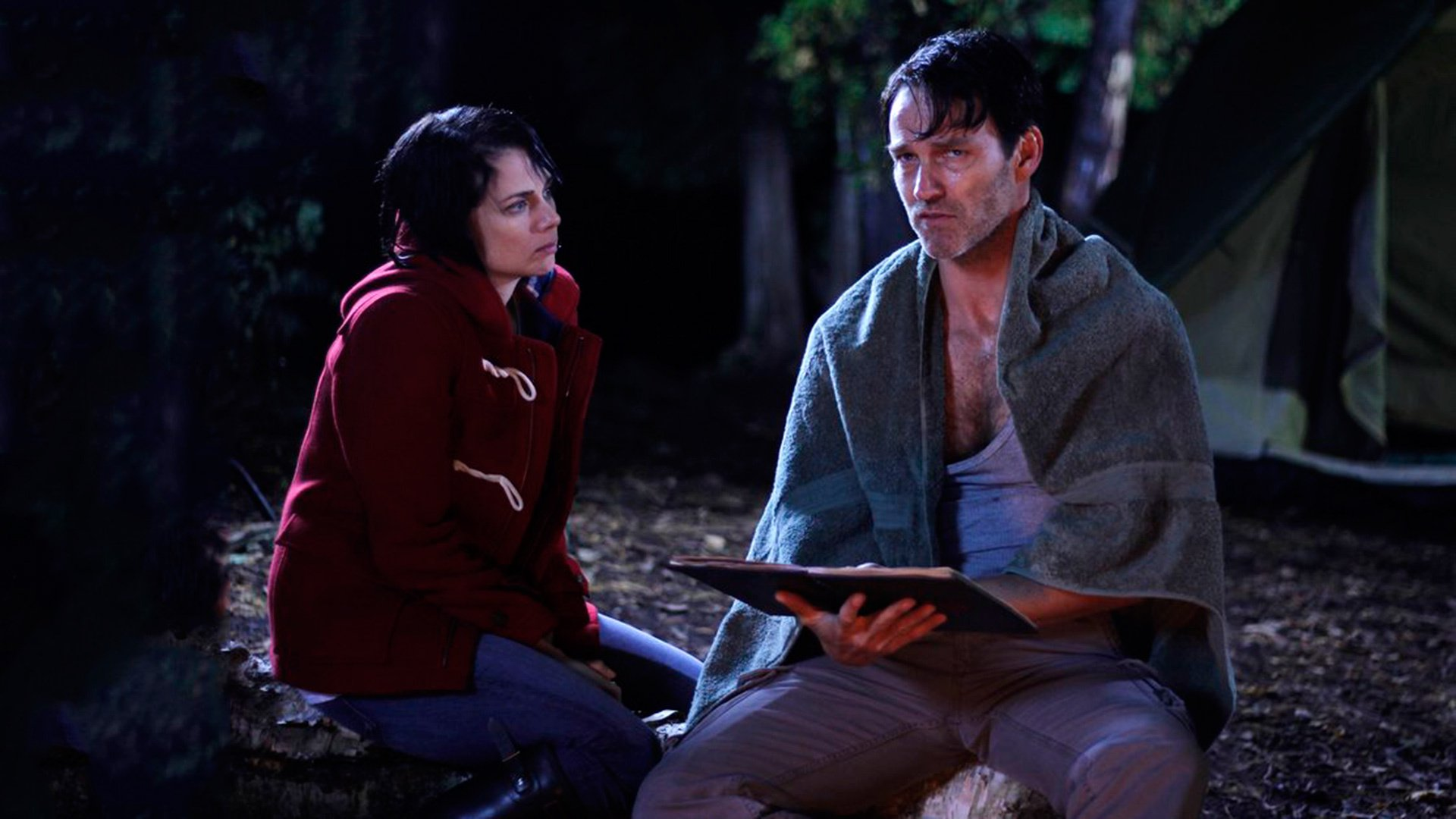 A paranoid and mentally unstable Stephen Moyer with wife Mia Kirshner in The Barrens (2012)