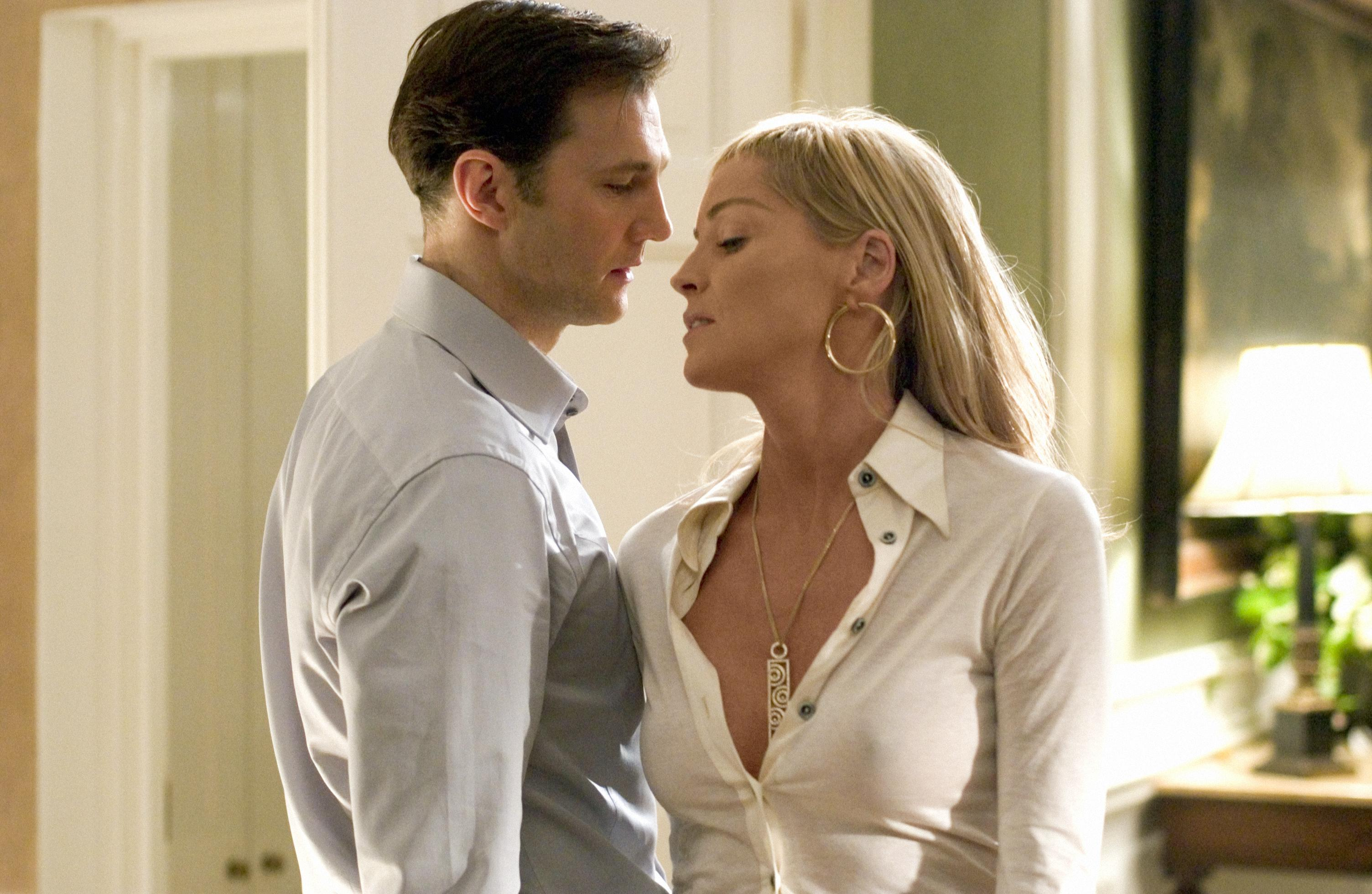 Sharon Stone seduces psychologist David Morrissey in Basic Instinct 2 (2006)