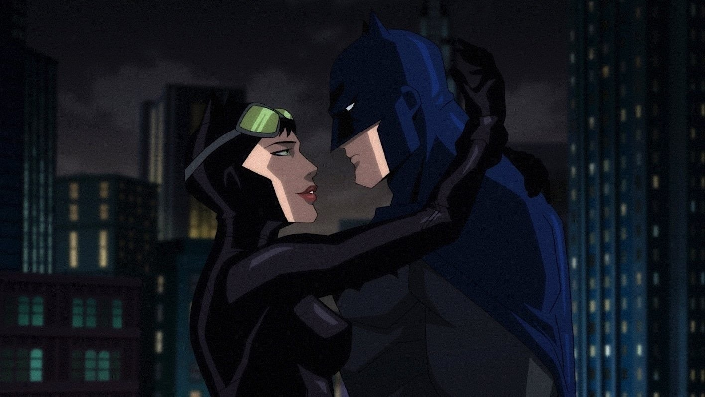 Cat Woman (voiced by Jennifer Morrison) and Batman (voiced by Jason O'Mara) reignite their relationship in Batman: Hush (2019)
