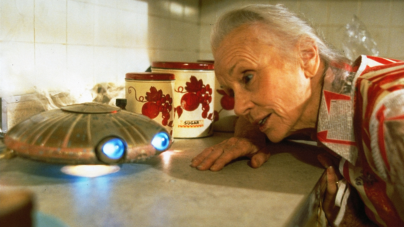 Jessica Tandy and cute baby UFO in Batteries Not Included (1987)