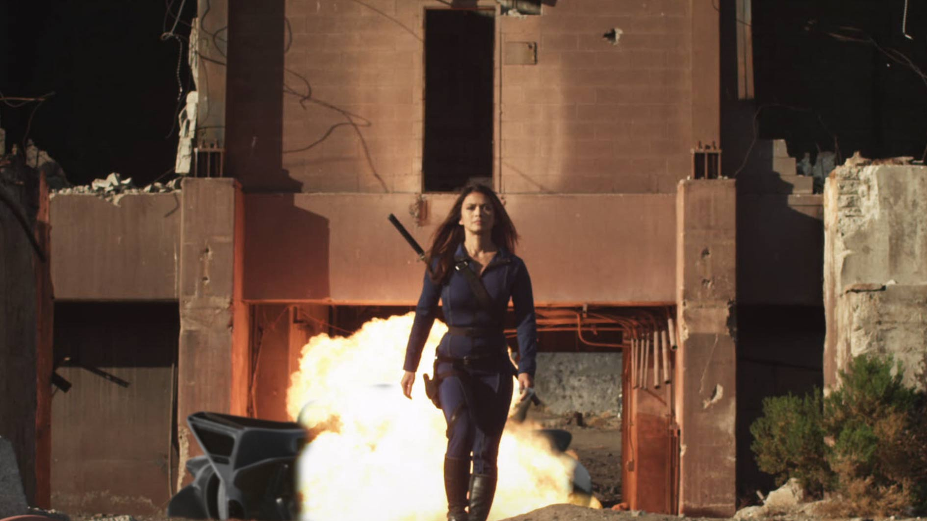 A sword-wielding Nia Peeples in Battle of Los Angeles (2011)