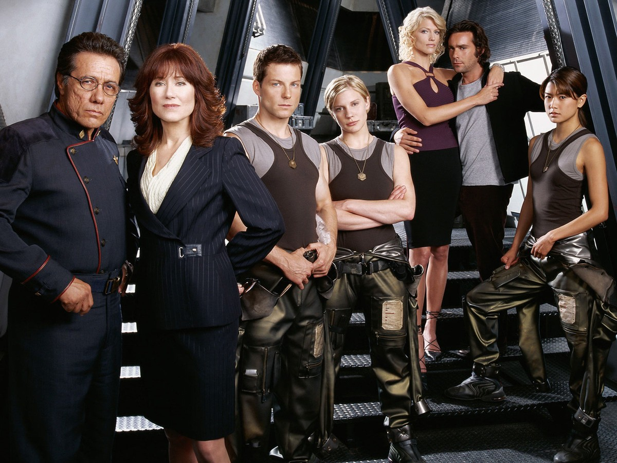 Edward James Olmos as Commander Adama, Mary McDonnell as President Laura Roslin, Jamie Bamber as Lee Adama, Katee Sackhoff as Kara 'Starbuck' Thrace, Tricia Helfer as Number Six, James Callis as Dr Baltar, Grace Park as Sharon Valeri in Battlestar Galactica (2003)
