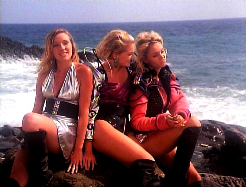 Sarah Bellomo, Tamara Landry, Nicole Posey in Beach Babes from Beyond (1993)