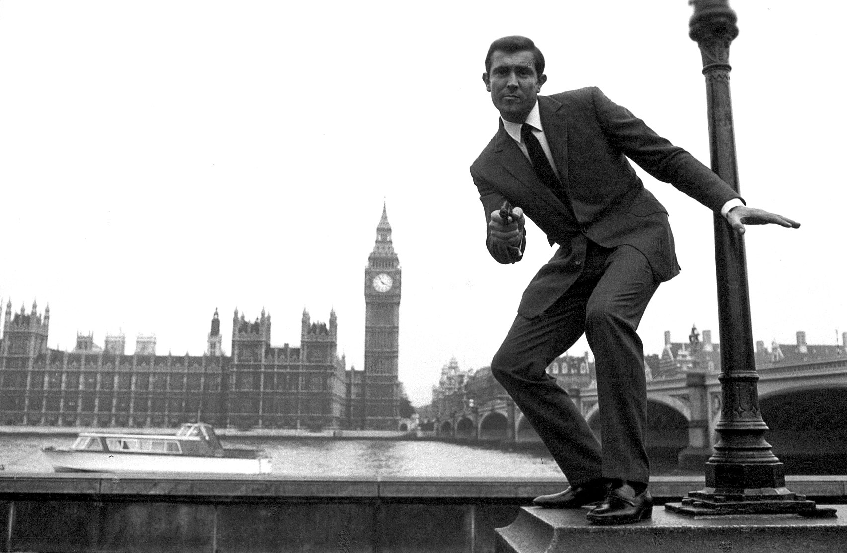George Lazenby as James Bond in Becoming Bond (2017)